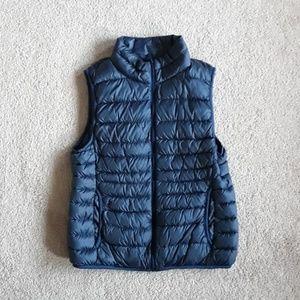 Uniqulo puffy navy blue vest size L